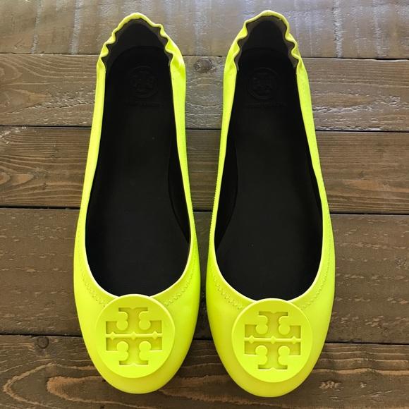 a8793b17d012 Tory Burch Minnie Flats neon yellow 7.5. M 5abd5a22daa8f6bd4eefd757